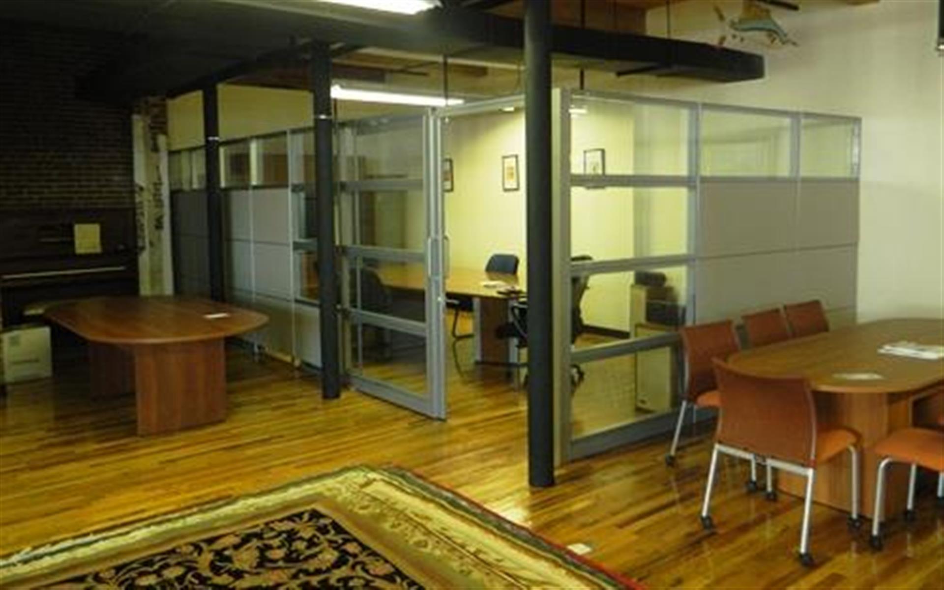 NewVo Interiors - Meeting Room