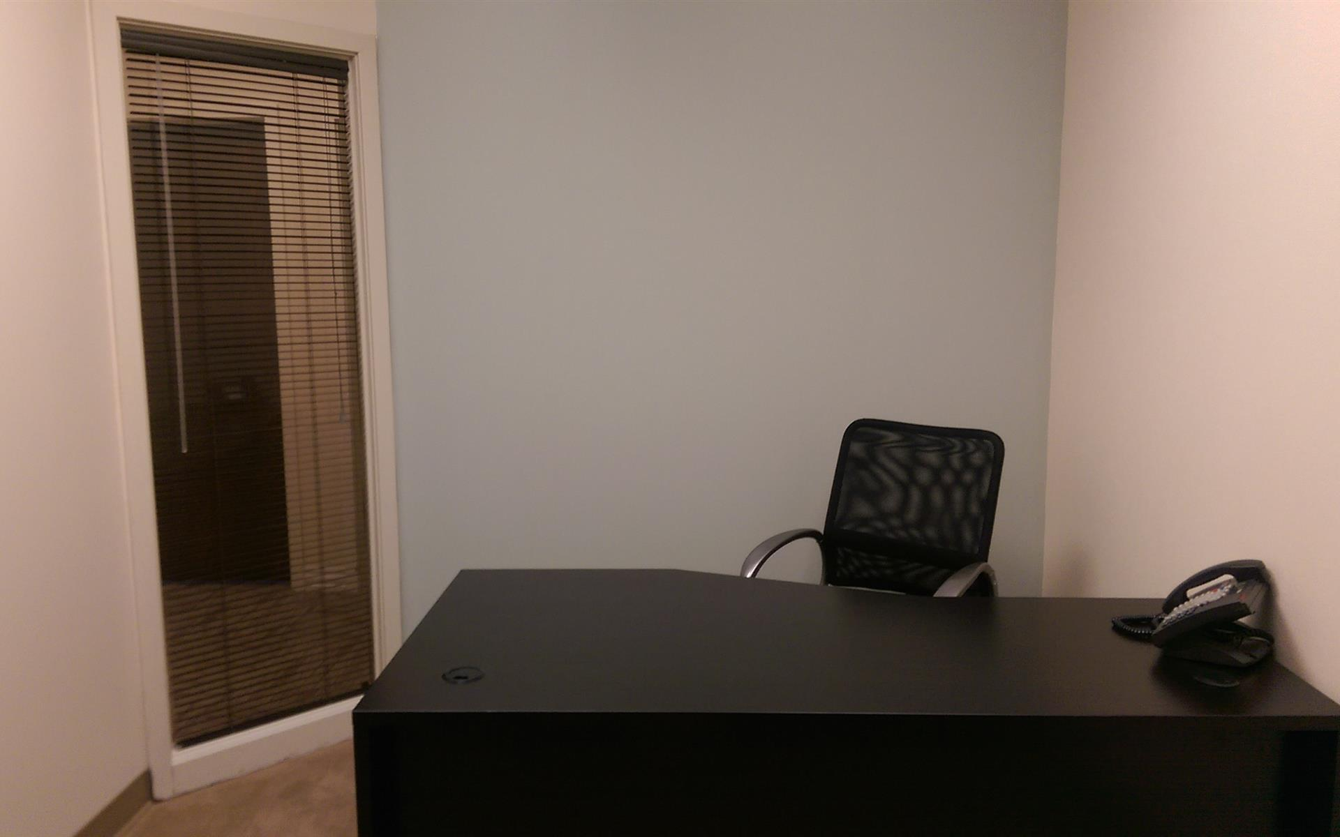 (DEN) Belcaro Place - Stunning Interior Office