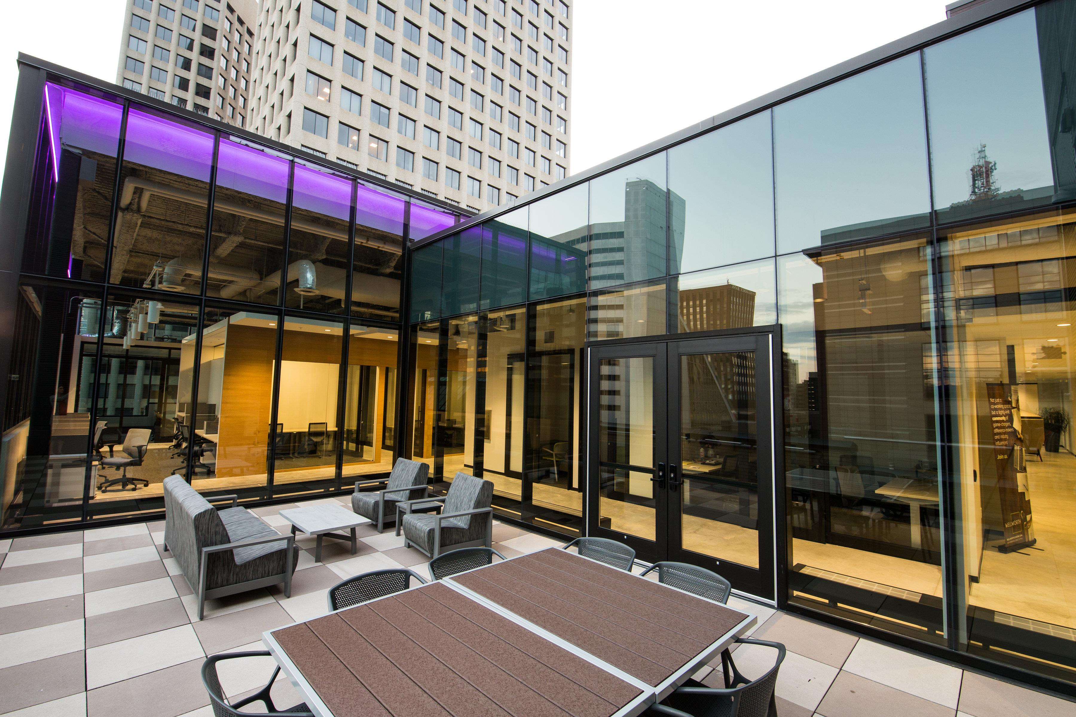 Wellworth Cowork - Outdoor Meeting space