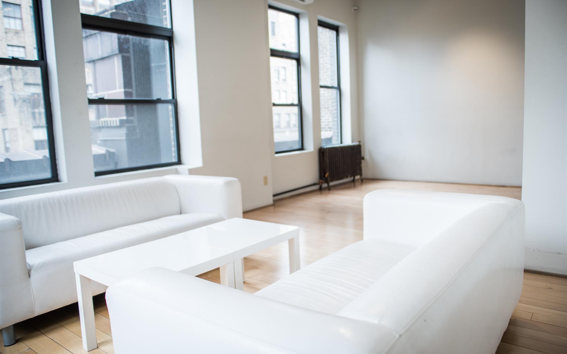 Studio Arte - Annex Room
