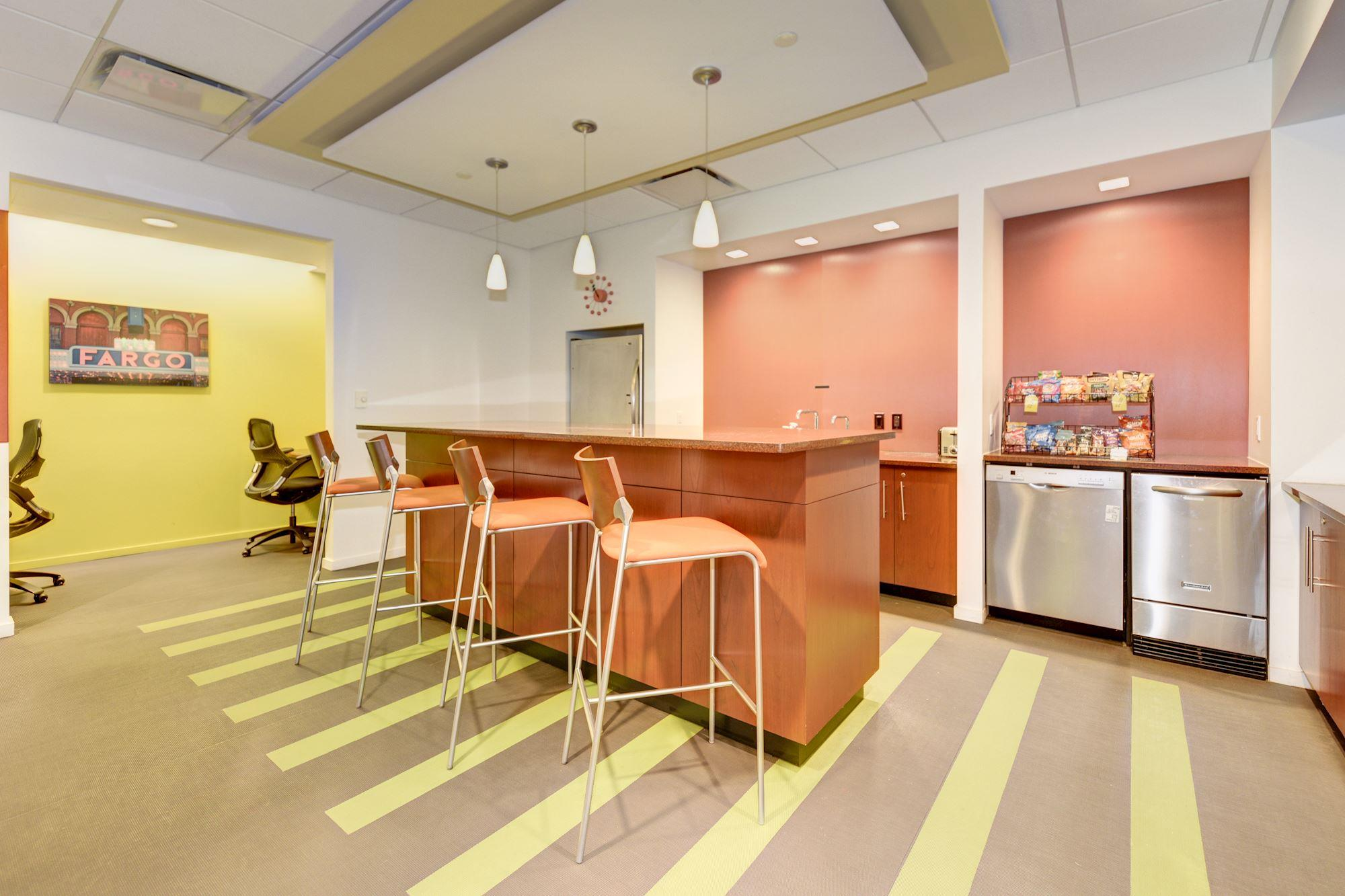Carr Workplaces - Capitol Hill - Co-Working Carrell 1