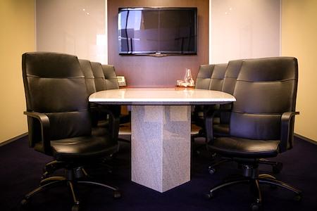 Servcorp - 555 California Street San Francisco - Executive Boardroom