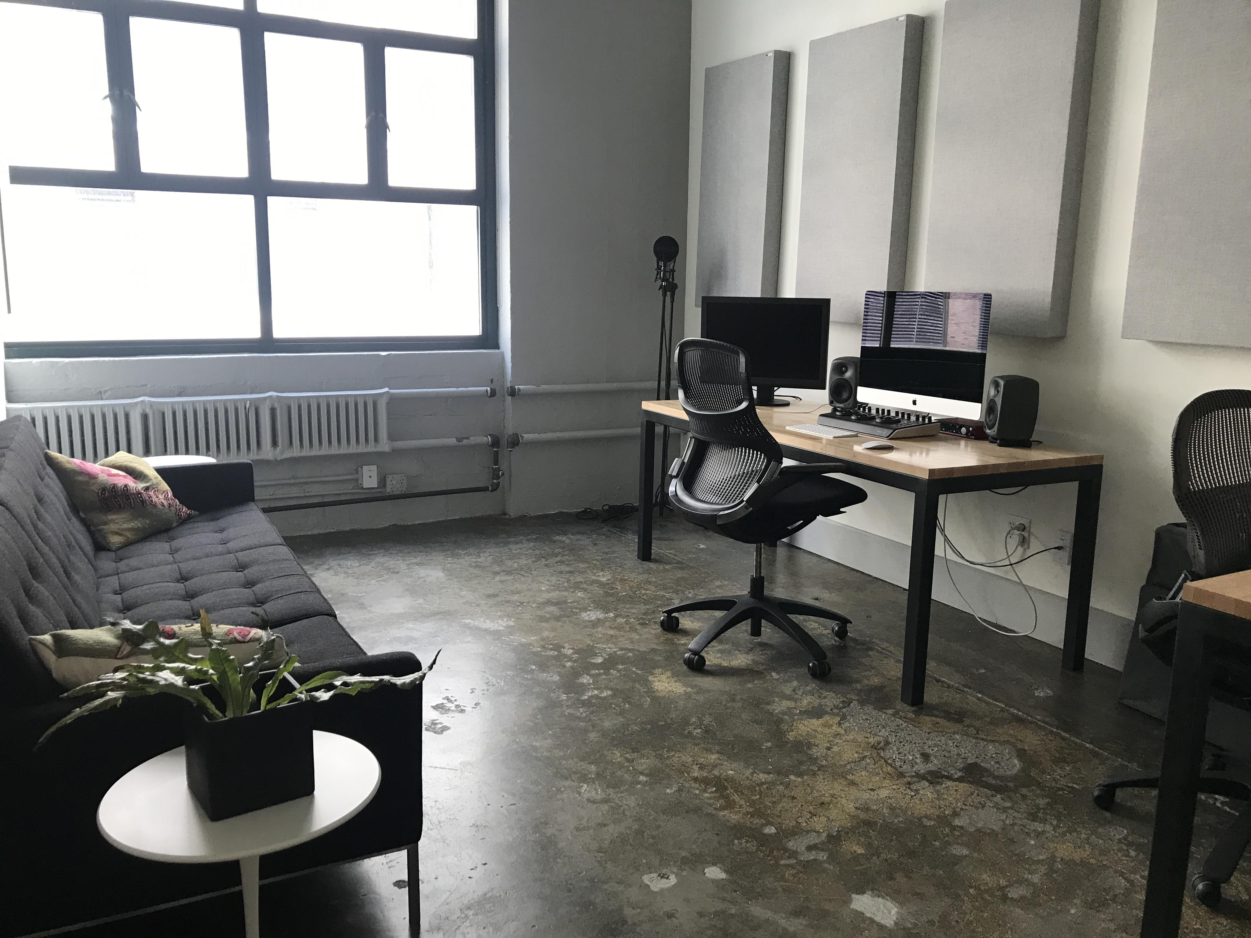 Urban Sled - Office Suite 1