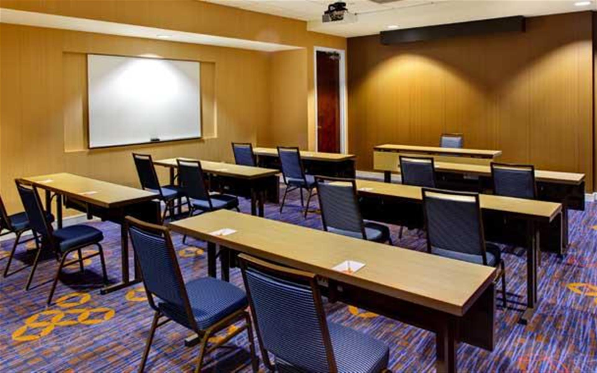 Courtyard by Marriott Atlanta Buckhead - Meeting Room B