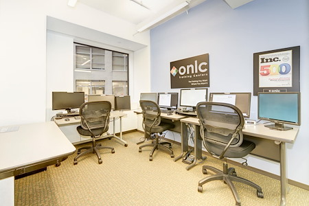 Carr Workplaces - Dupont - 6-person Team Room