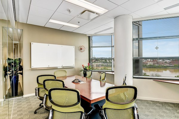 Carr Workplaces Rosslyn Liquidspace