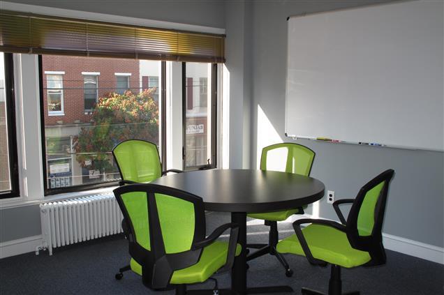 HeadRoom - Media - Meeting Room #5