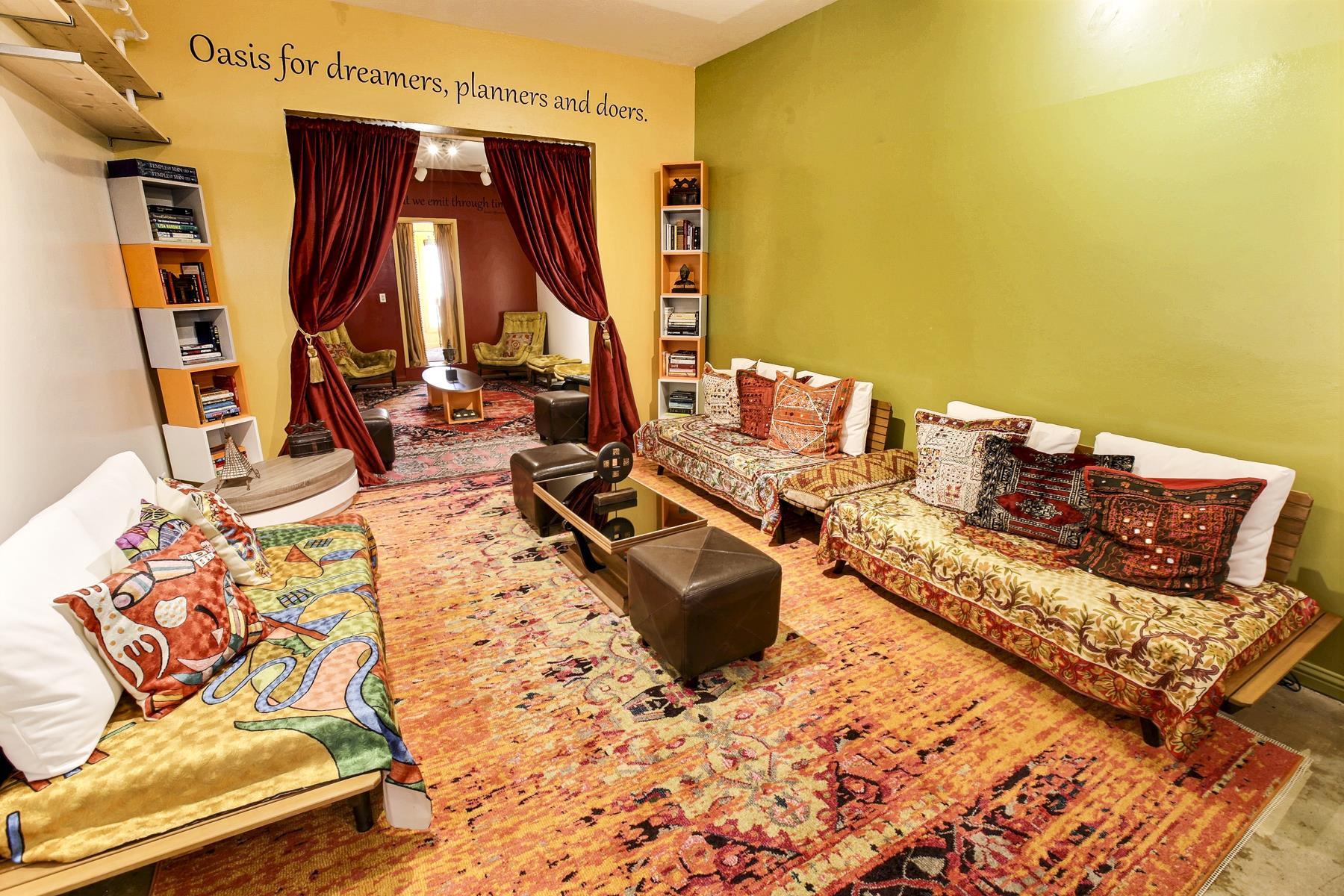 Kemitian Lounge - Kemitian Lounge