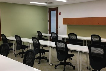 Carr Workplaces - Aon Center - Great 12-person solution!