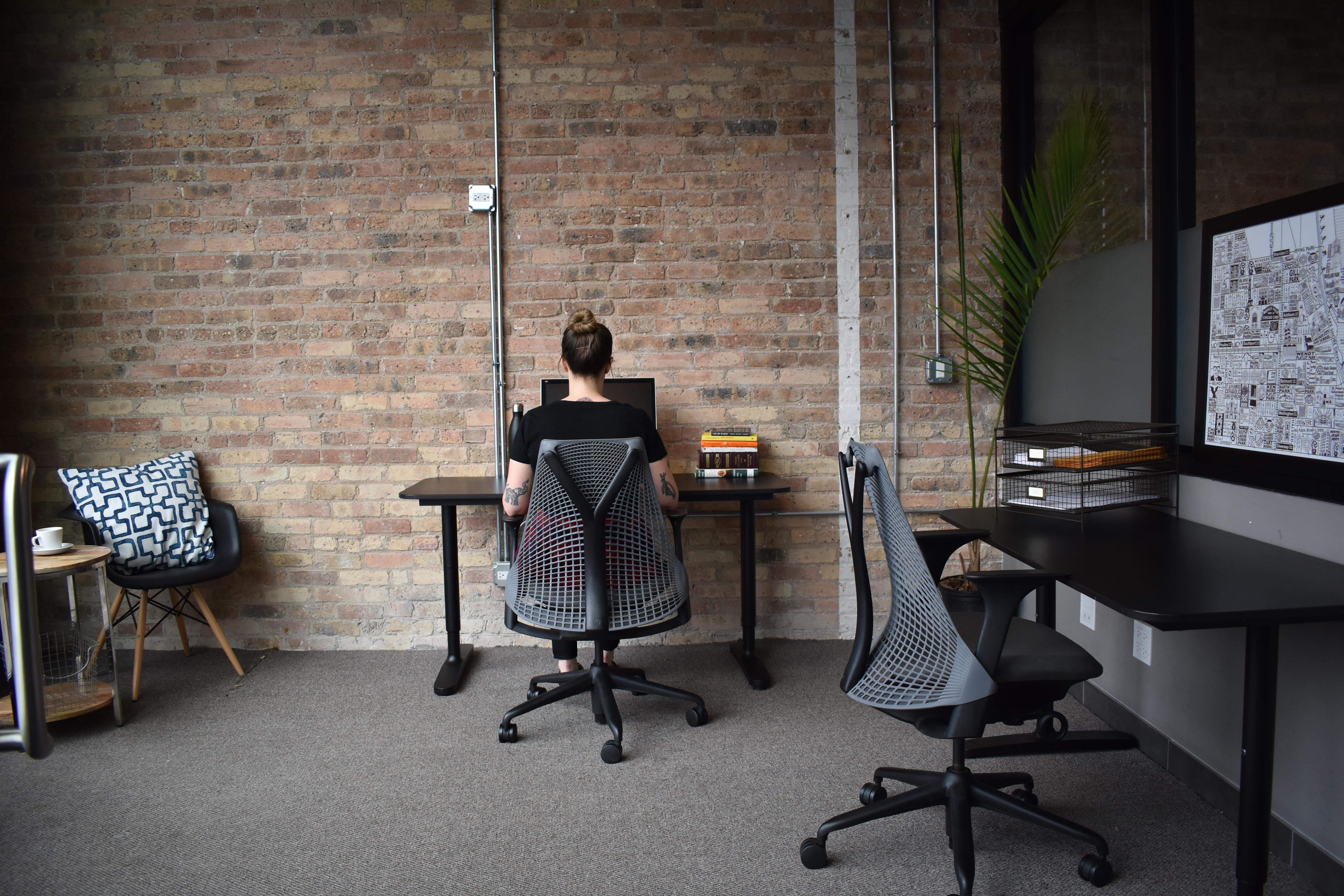 DeskLabs - Private Office for 3-5