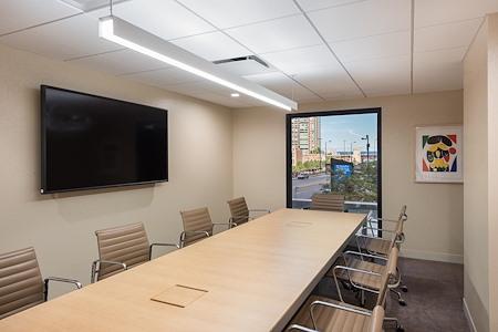 Private Meeting Room for 10 at Hyatt Regency Chicago - Gallery Boardroom