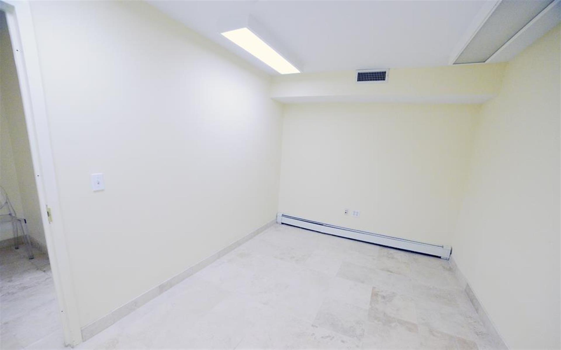 Space 69 - B5 - 6 person office