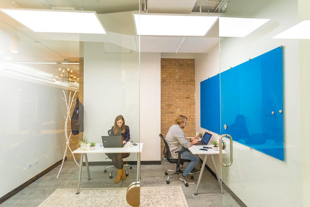 Novel Coworking Scanlan Building - Office 818