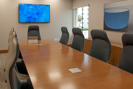 Symphony Workplaces - Palm Beach - Ocean Board Room