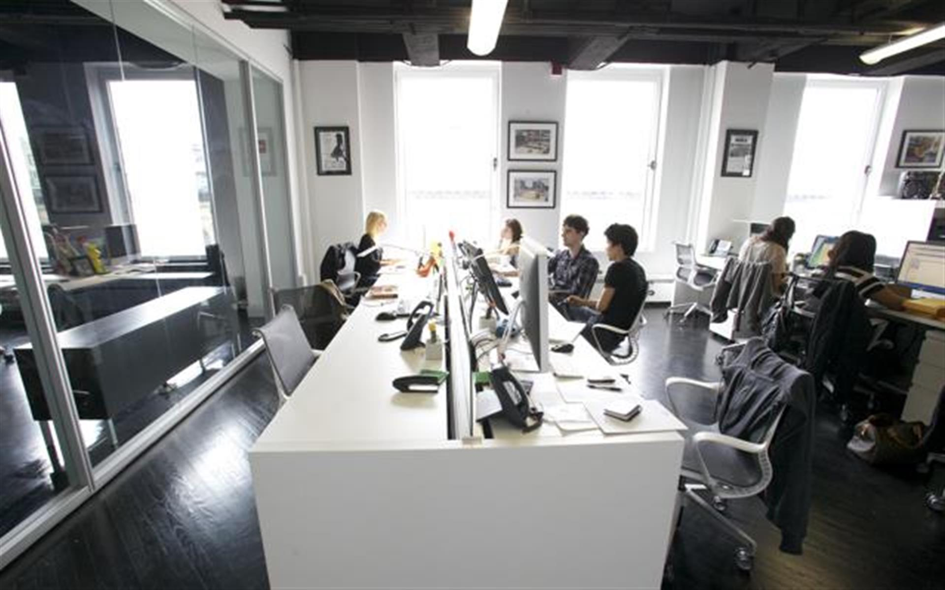 TH Productions - Private Team Office