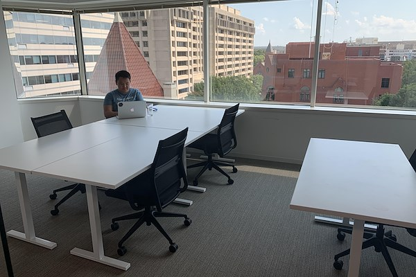 MakeOffices at Penn Ave - Extra Large Private Office