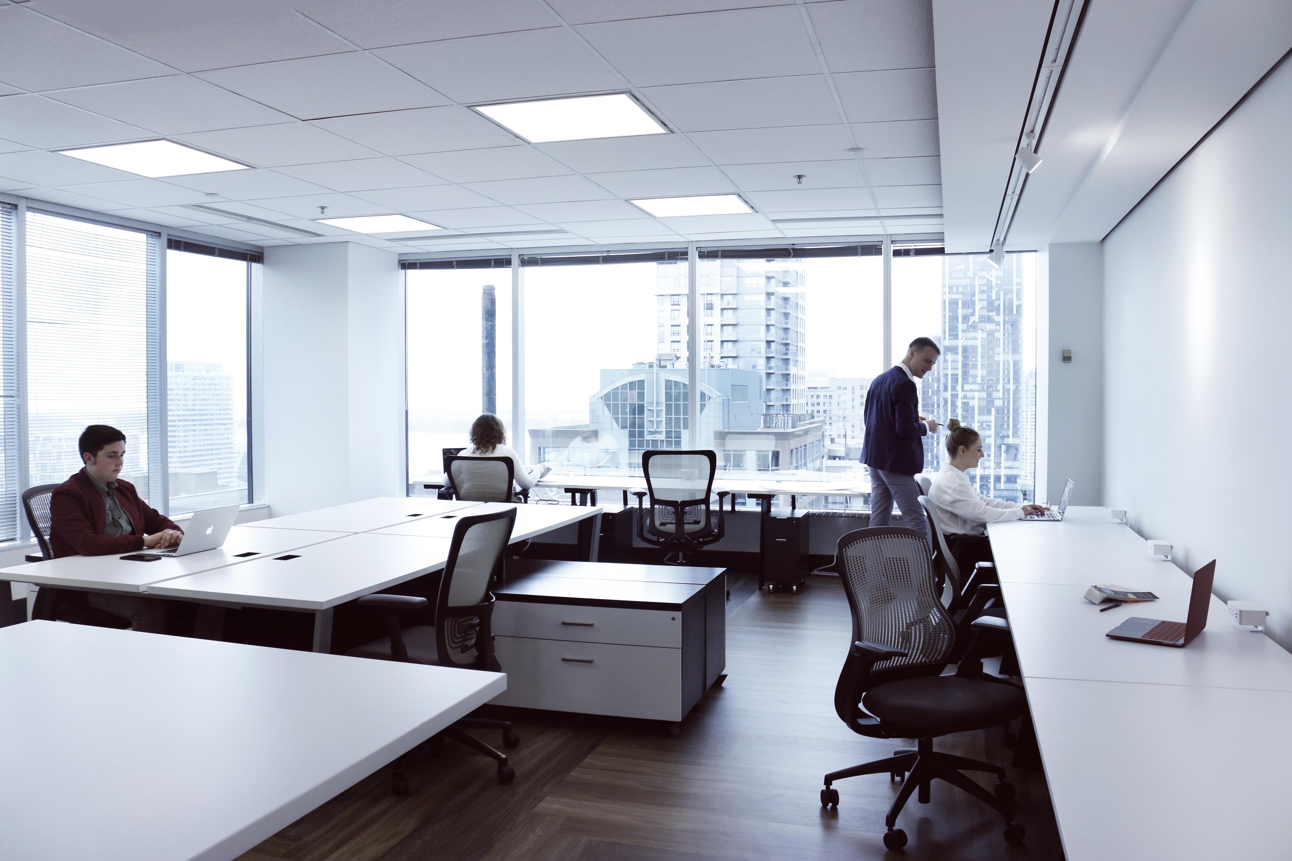 Studio 2345 - Dedicated desk
