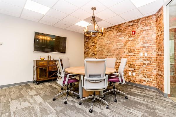 Quest Workspaces Plantation - Conference Room
