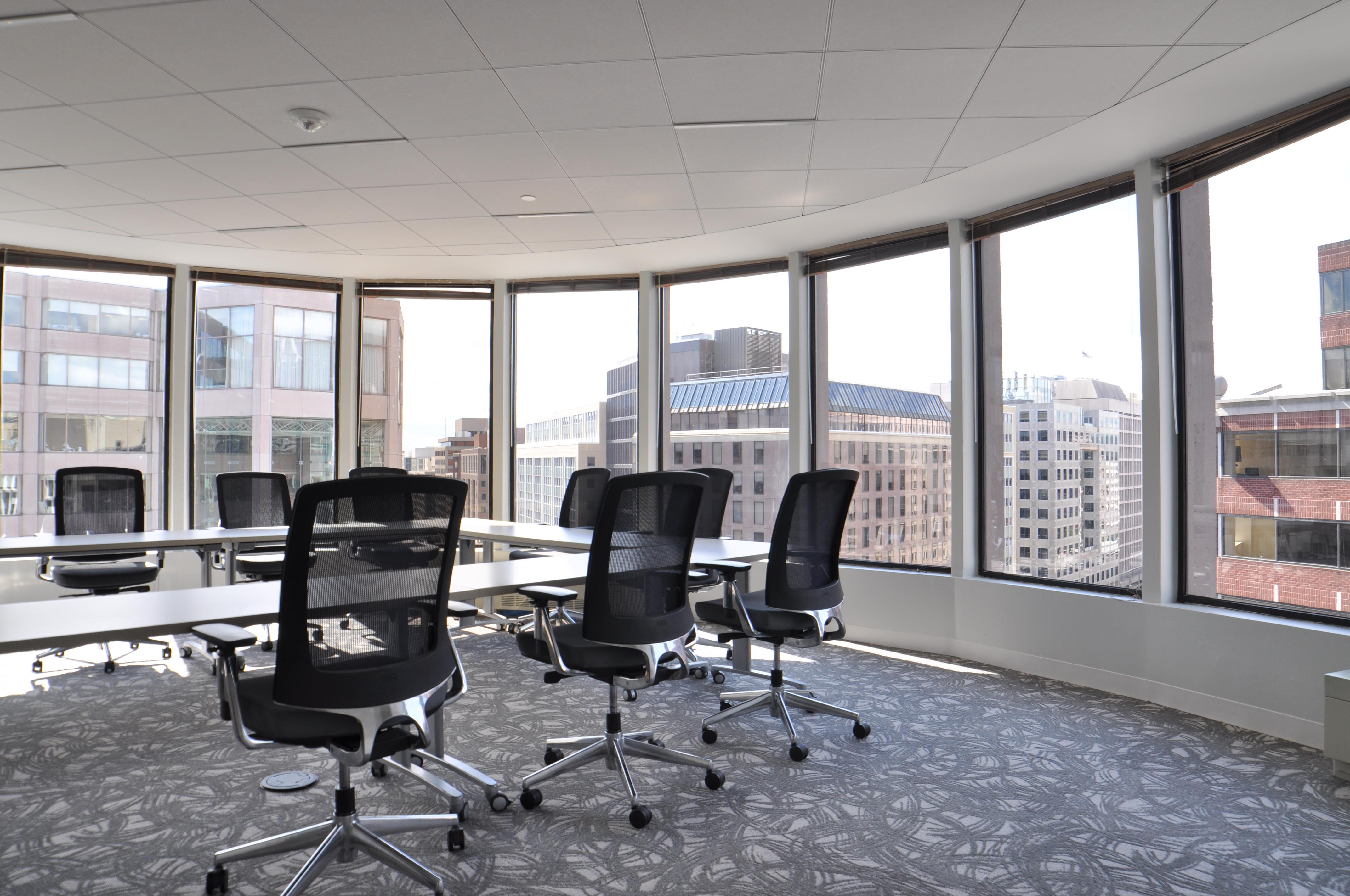Farragut Workspaces - Oval Board Room