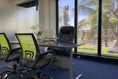 Momentum Business Center - Three Panel Window Suite