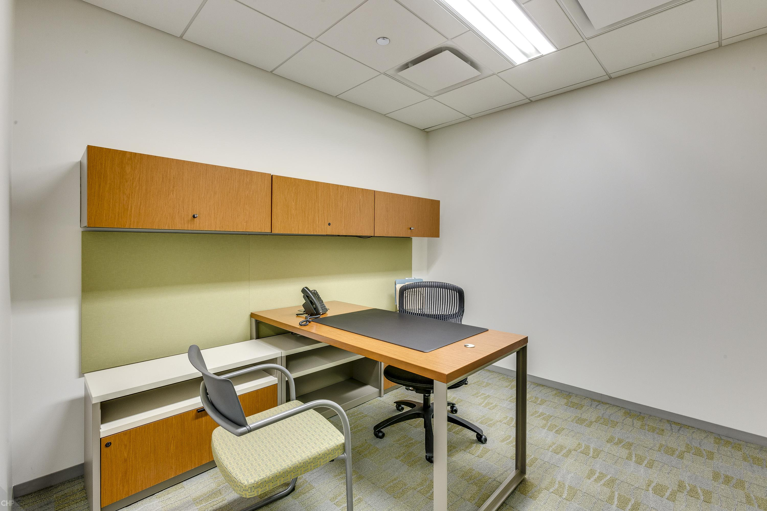 Carr Workplaces - Aon Center - Private Interior Office for 1 Person
