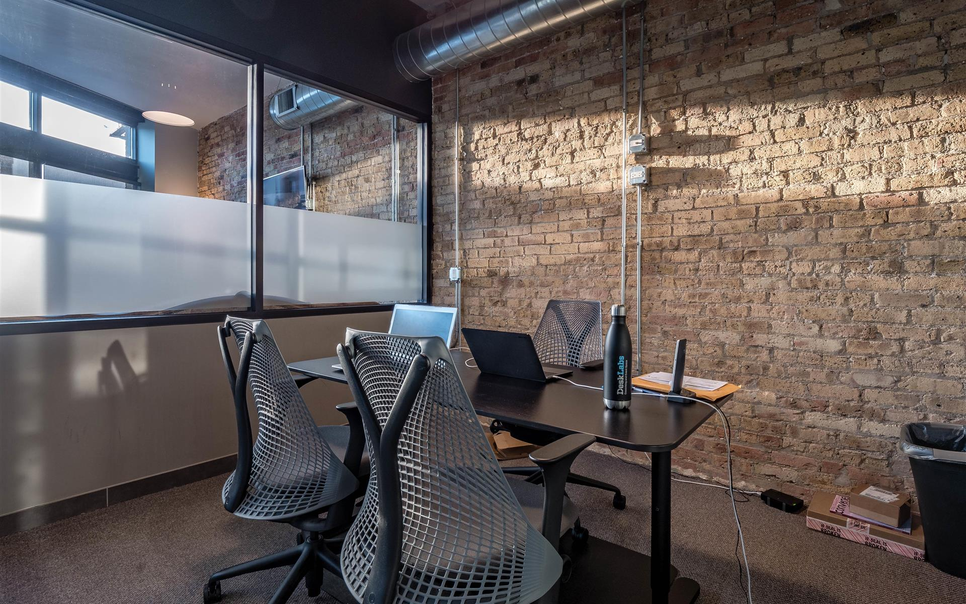 DeskLabs - Private Office for 1-2