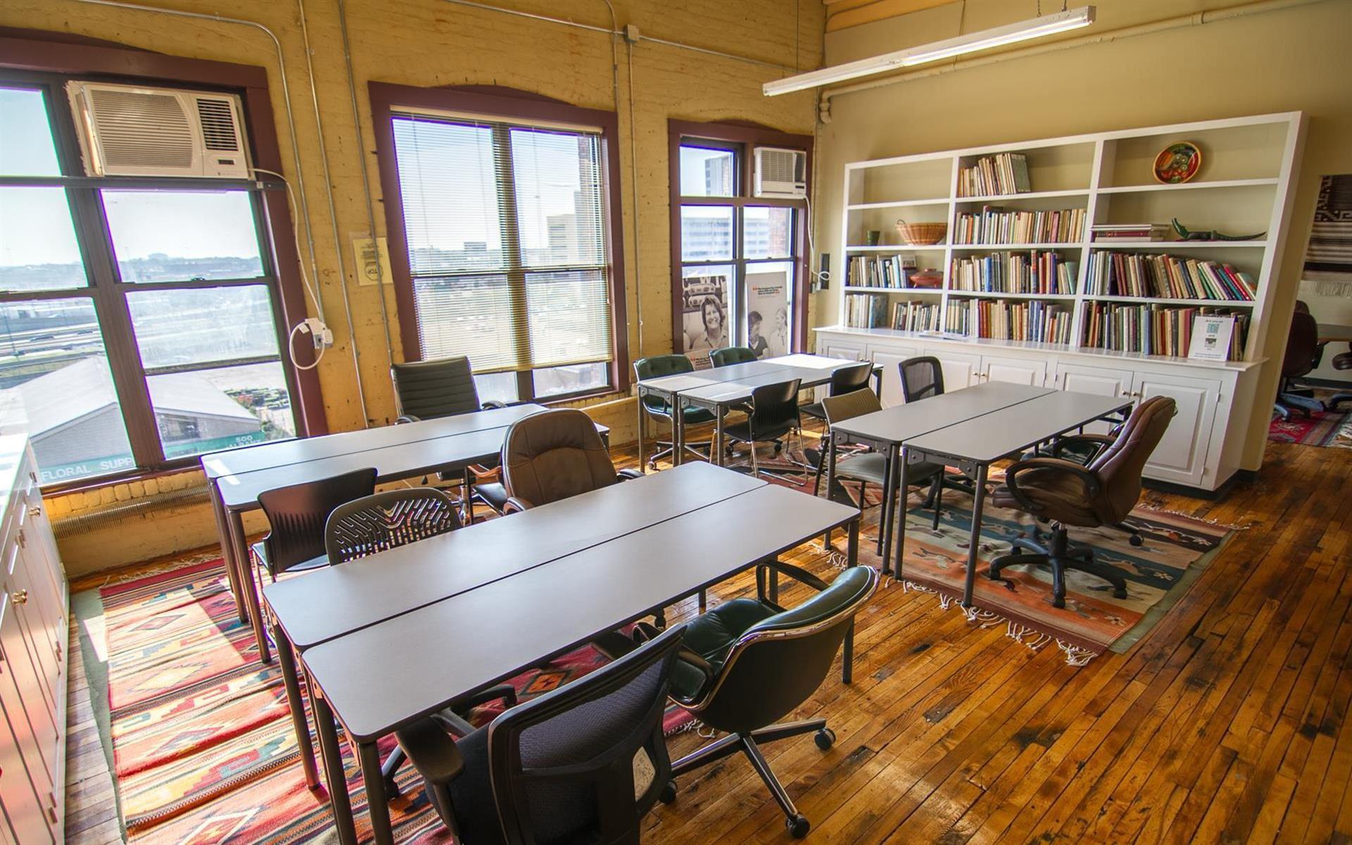 The South End Loft - Co-Working Desk