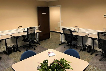 BusinessWise (Law & Finance Building) - Team Suite for Four