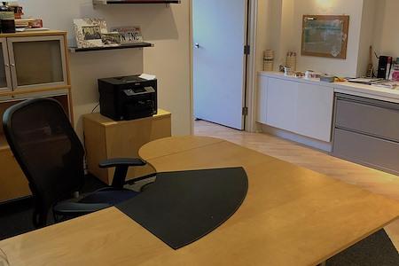 Yin Yang Naturals - Manhattan Beach Office Desk &Conf. Space