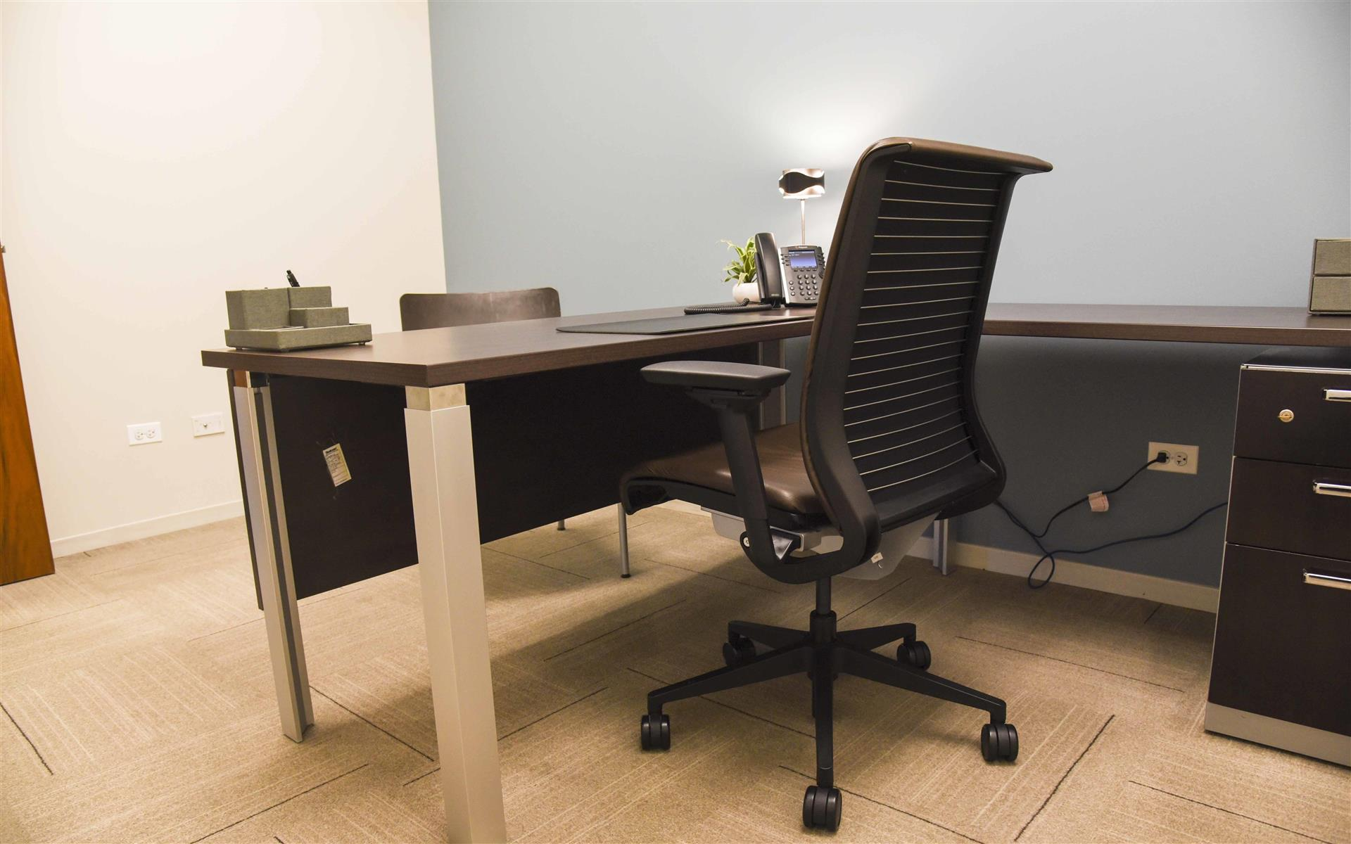 Work Better Chicago - The Willis Tower - Private Office for 1-3