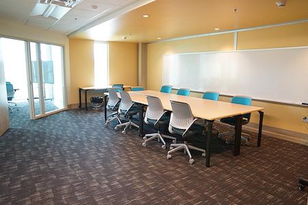 Flywheel Coworking @ Center for Design Innovation - Meeting Room D