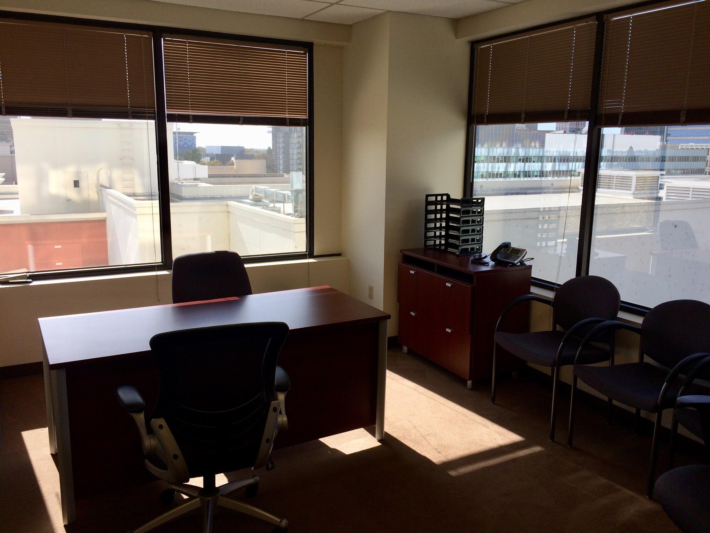 Pacific Workplaces - Capitol - Monthly Private Office 952