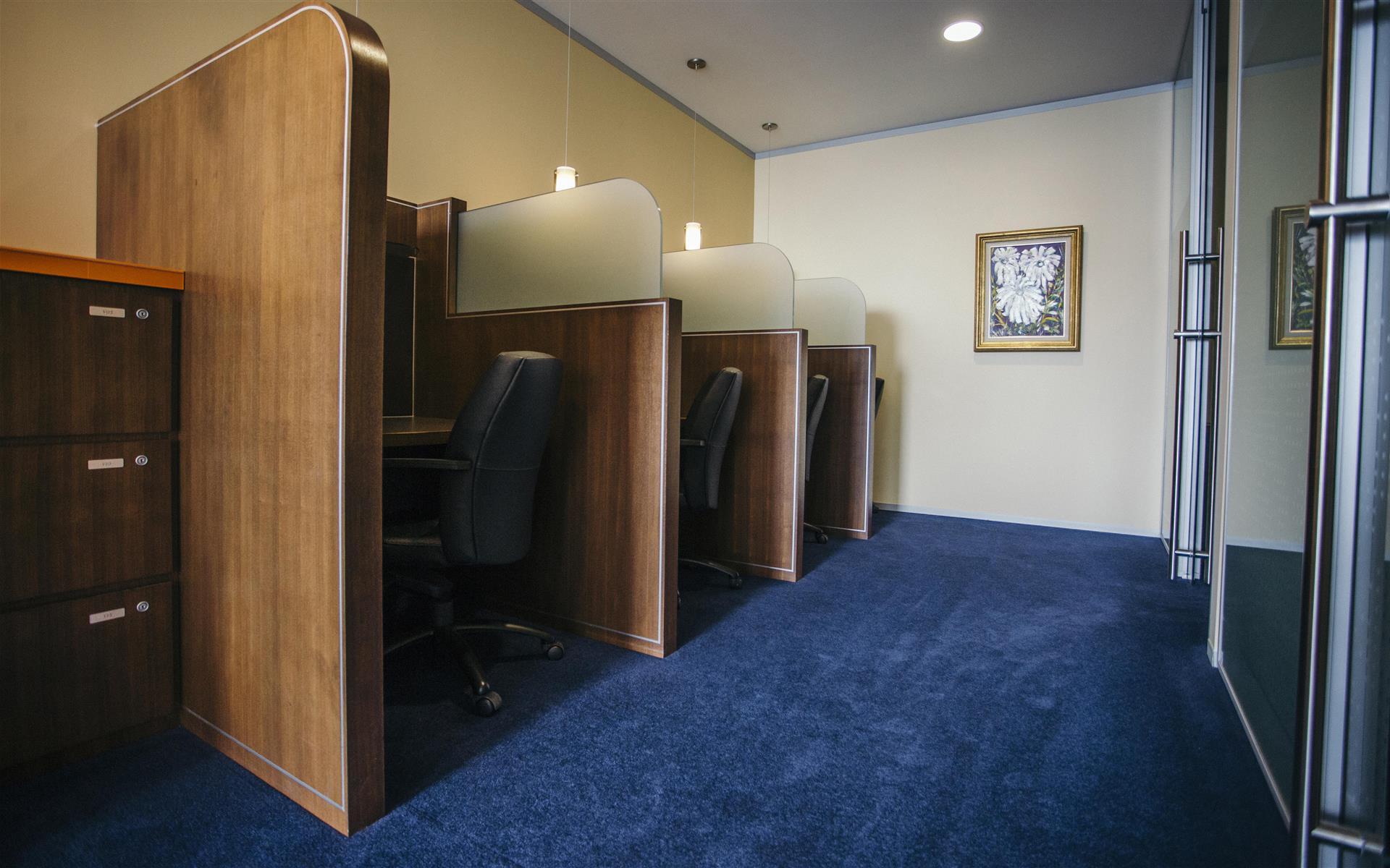 Servcorp - Chicago North La Salle - Coworking Lounge Workstation 1