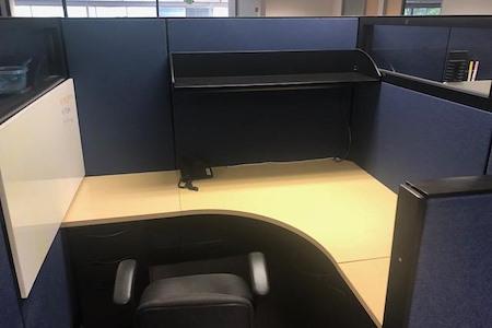 Uniquify - Dedicated Desk 1