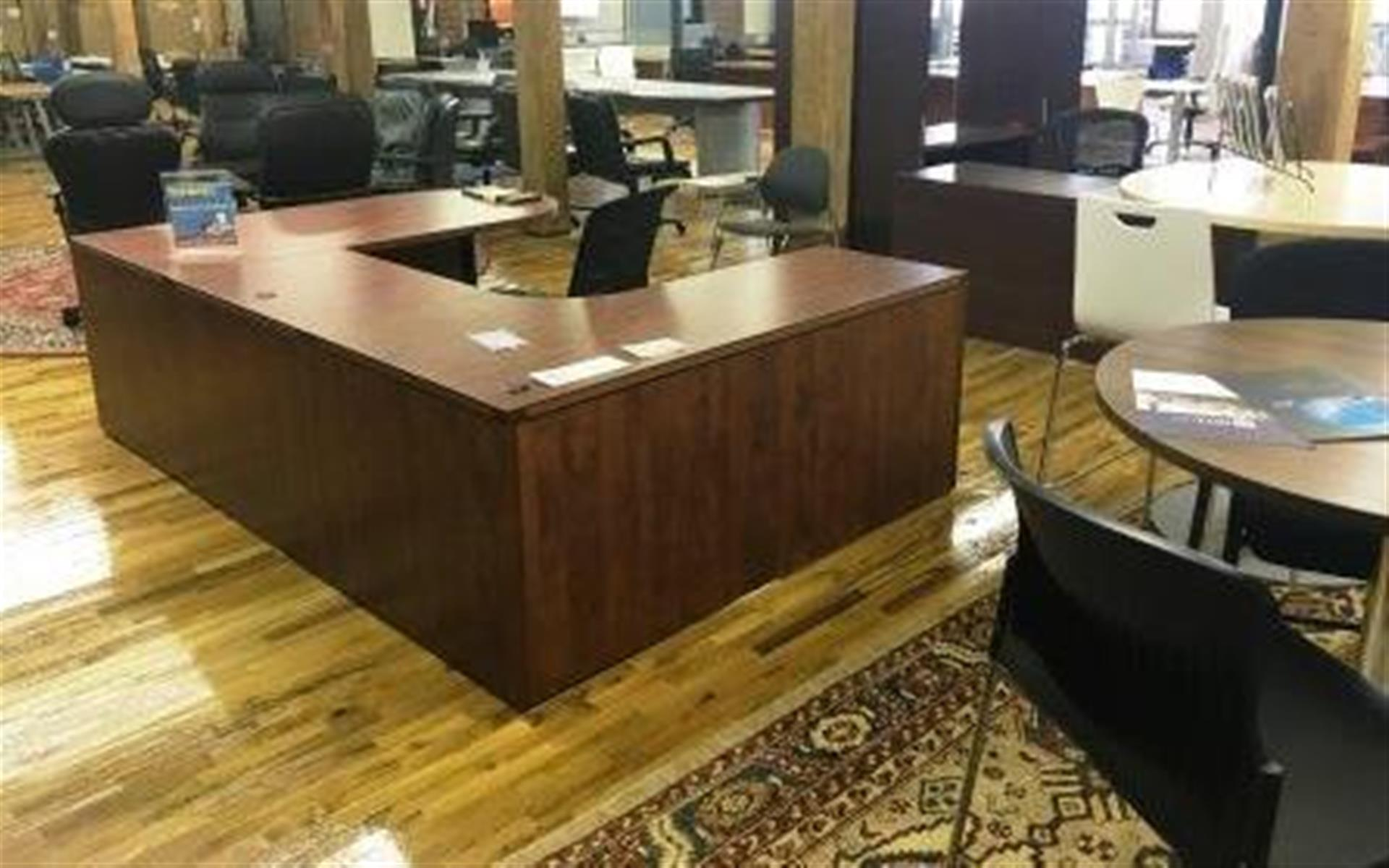 NewVo Interiors - Open Desk