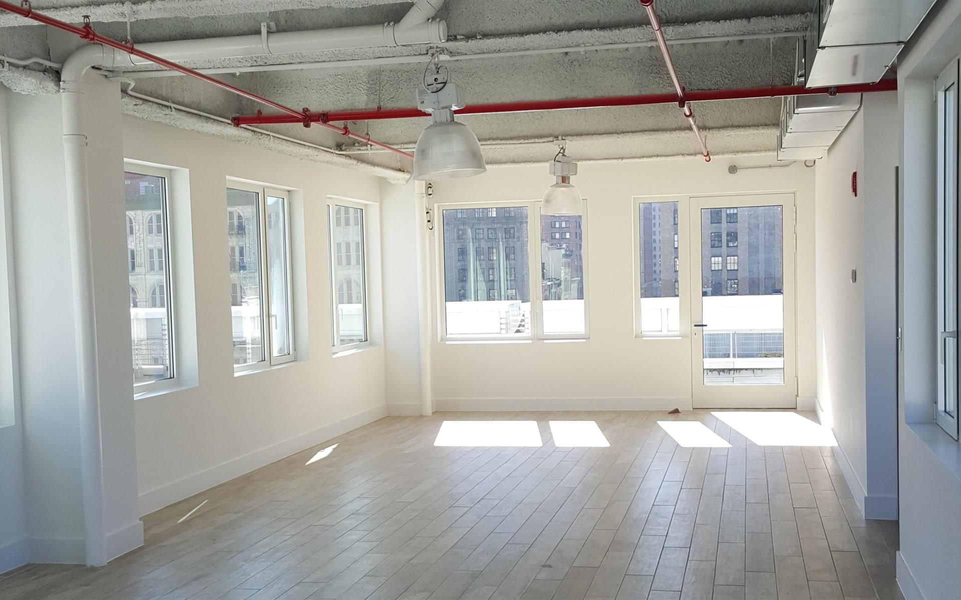 Cubico- Soho - SoHo Studio Loft Workspace
