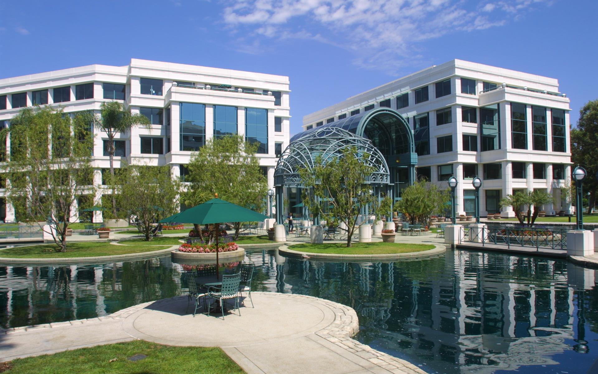 Working At (SM2) The Water Garden At Santa Monica