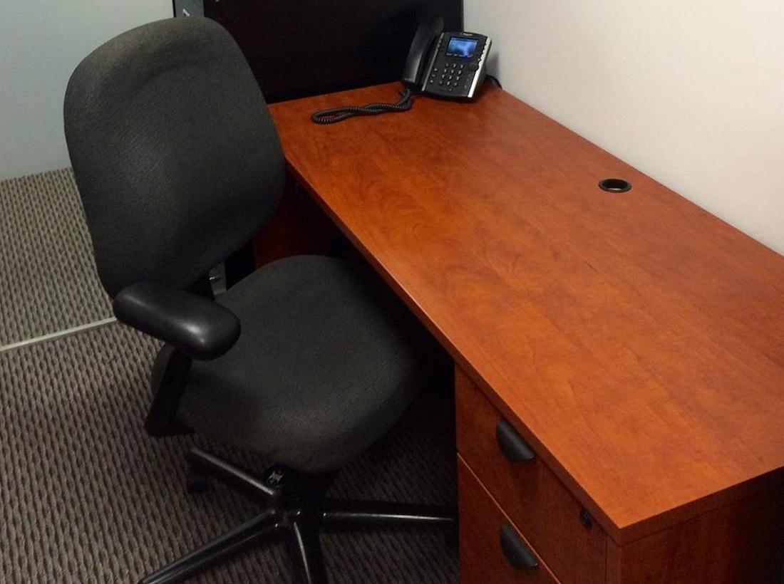 Open Desk Cc Desk Cable Management