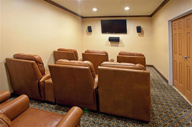 Staybridge Suites ABQ Airport - Multi Media Room