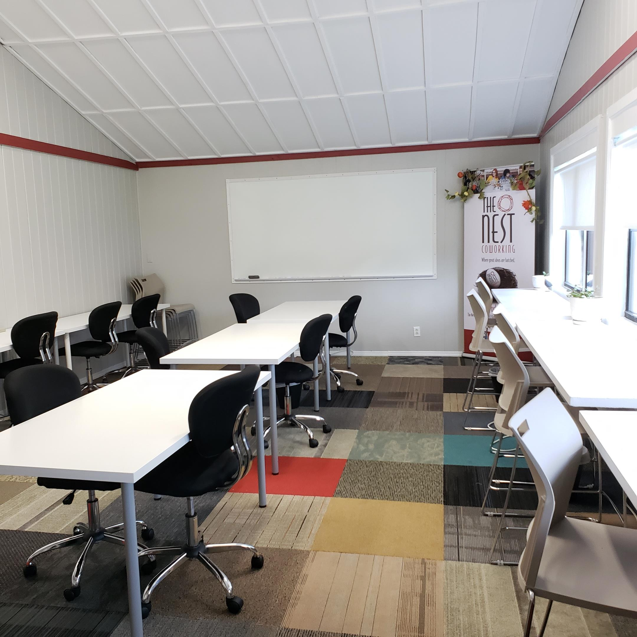 The Nest Coworking - Fly-In Space