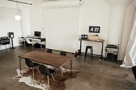 Studio 319 - Open Desk 1