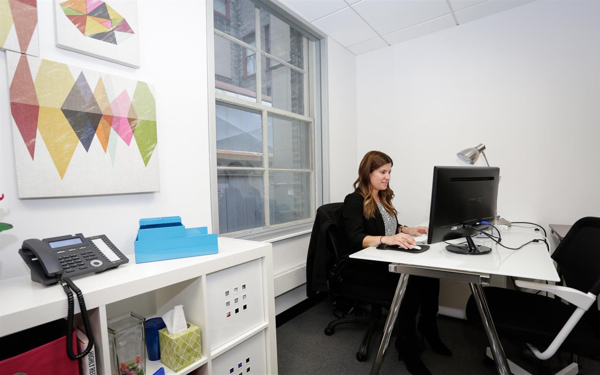 Novel Coworking The Loop - Office 302