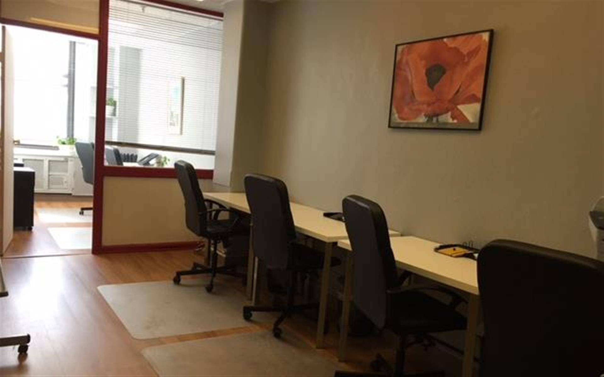 Charm Offices LLC - Midtown - Sunny creative space or private office