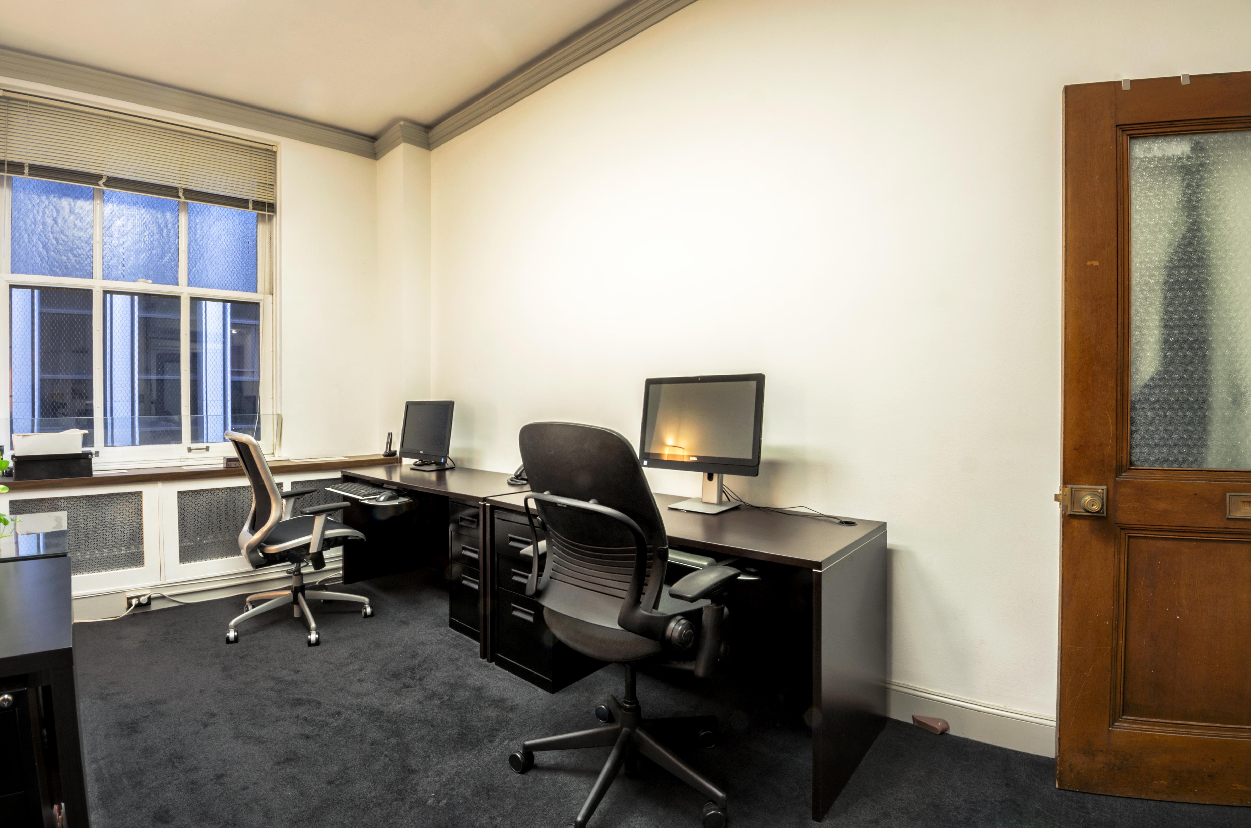 Bertoni-Law Immigration Solutions - Dedicated Desks
