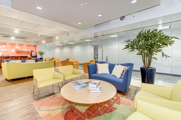 Carr Workplaces - Dupont - Coworking Lounge