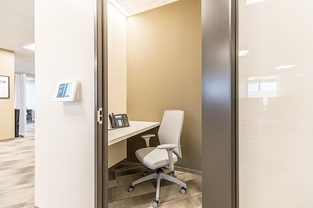 Chisel – Coworking for Lawyers at FH+H - Phone Booth 1