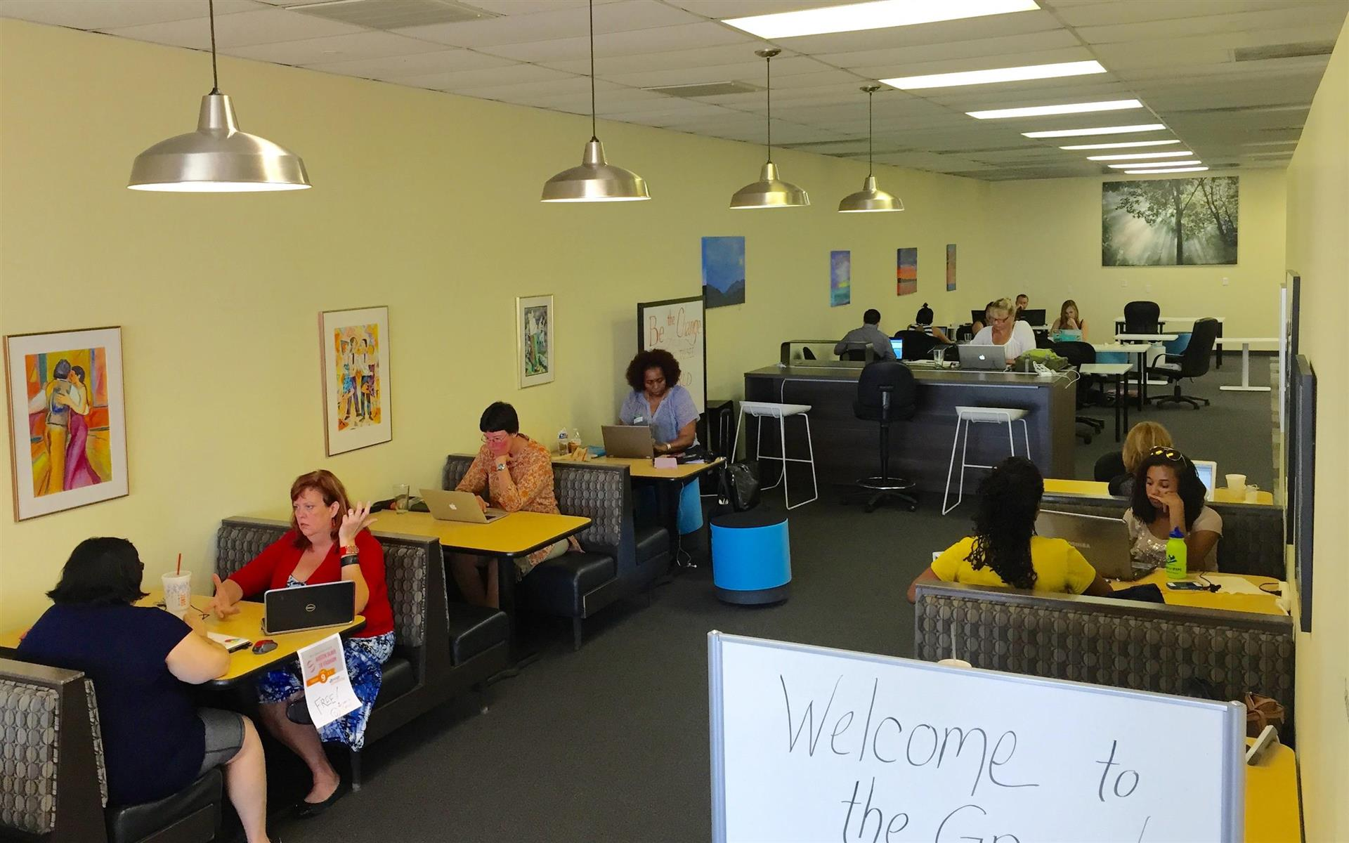 Orange Coworking - Unlimited Business Hours Coworking