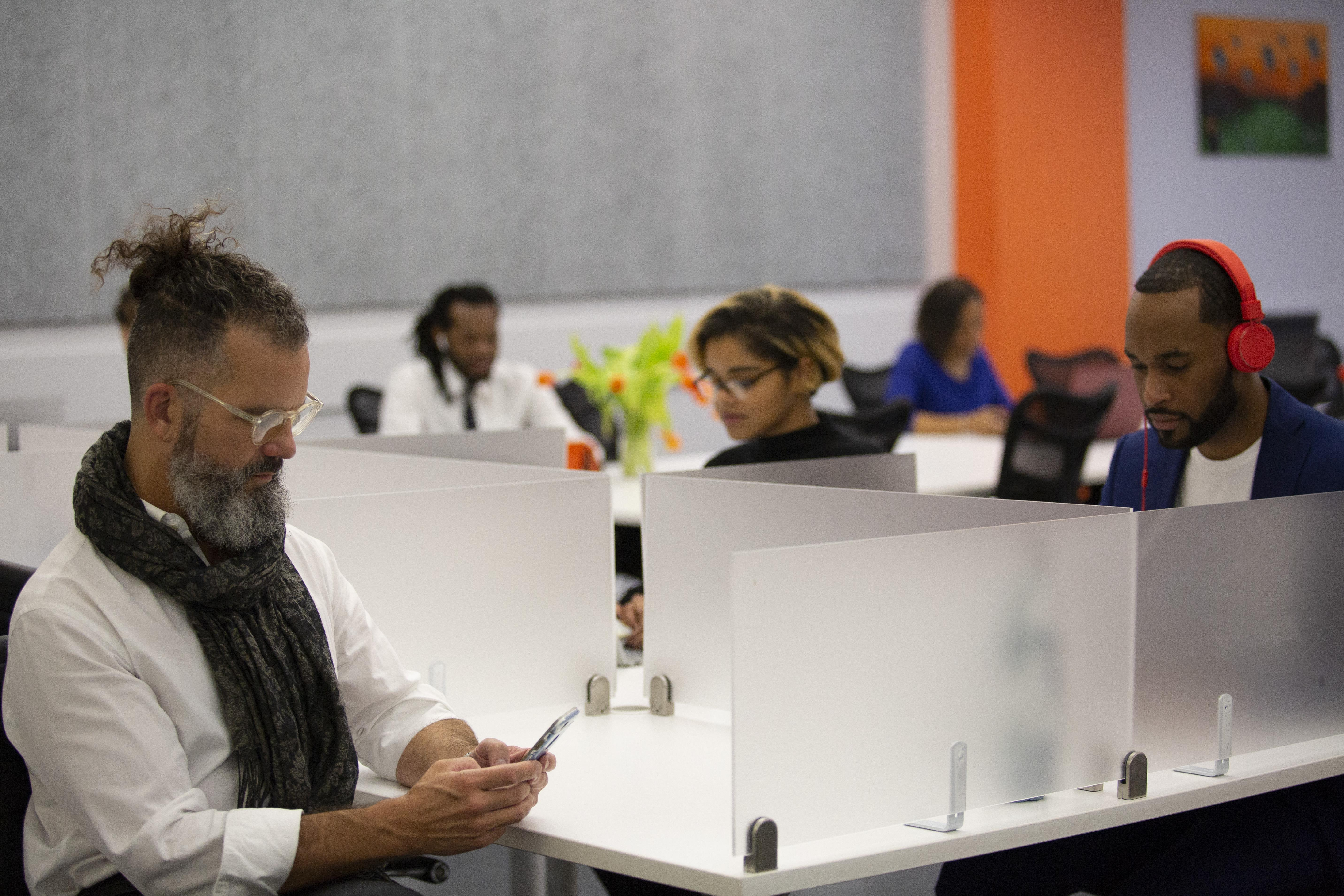TEEM Coworking - Harlem NYC - Semi Private Desk (Type B)