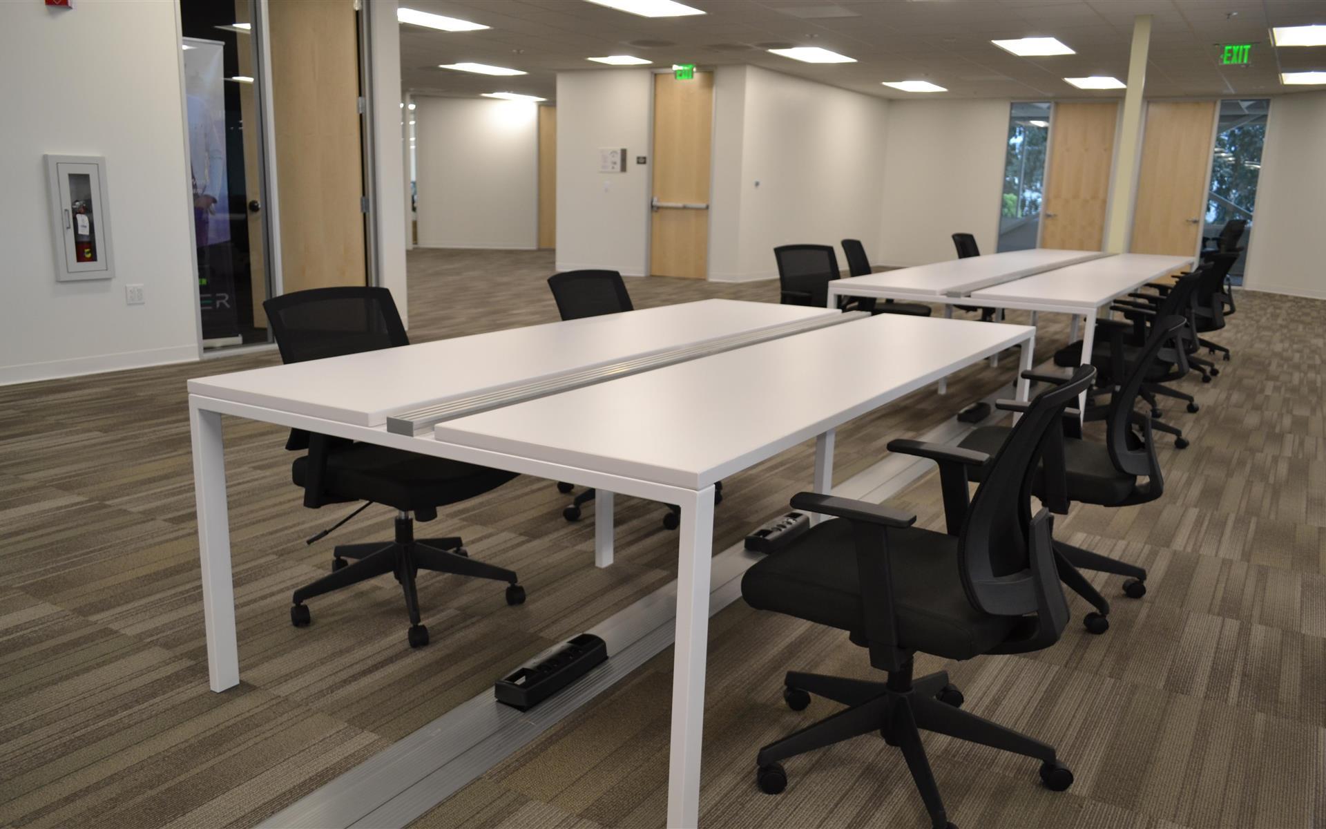 RobotX Space - Dedicated Desk 1