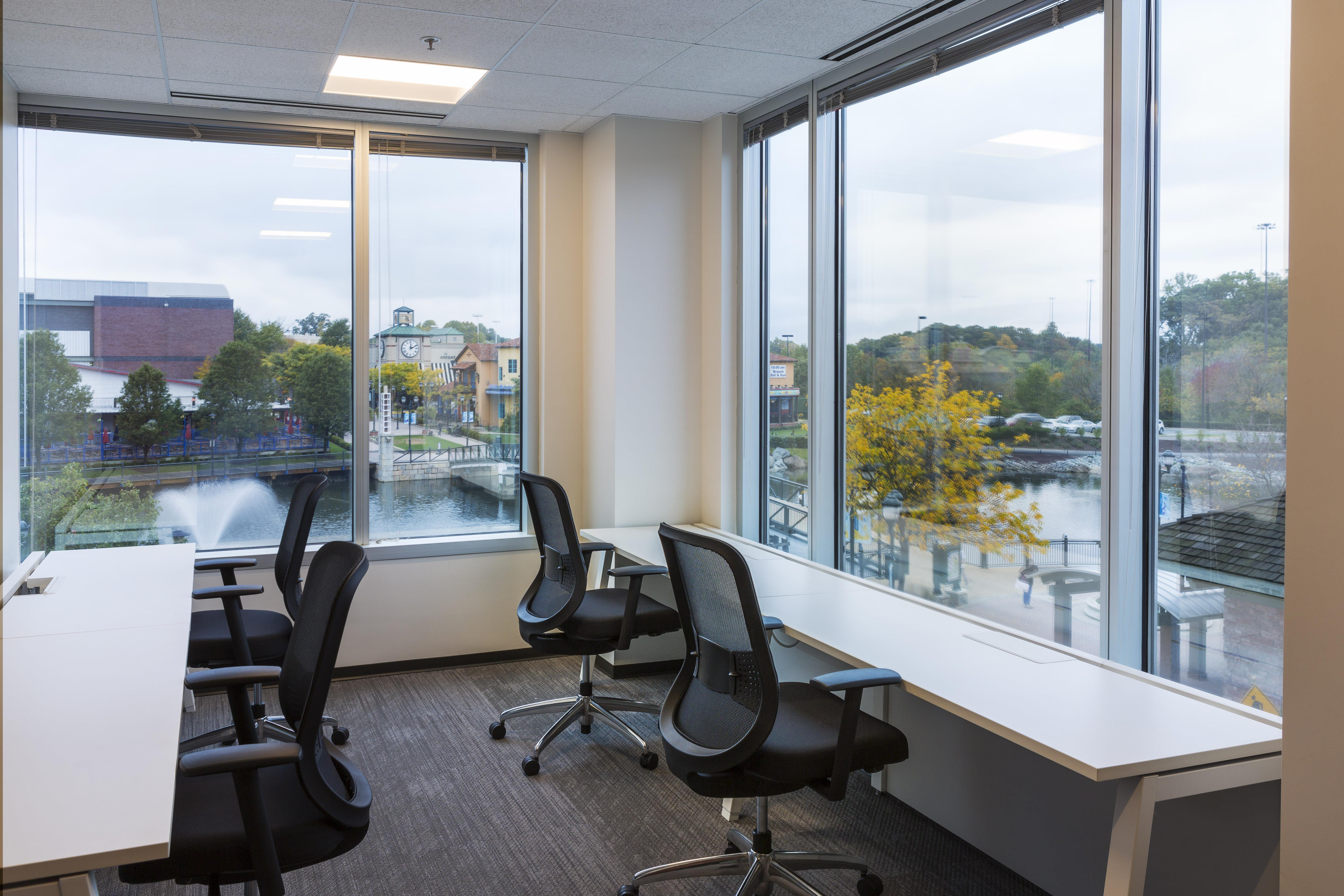 Launch Workplaces - Bethesda - Coworking area